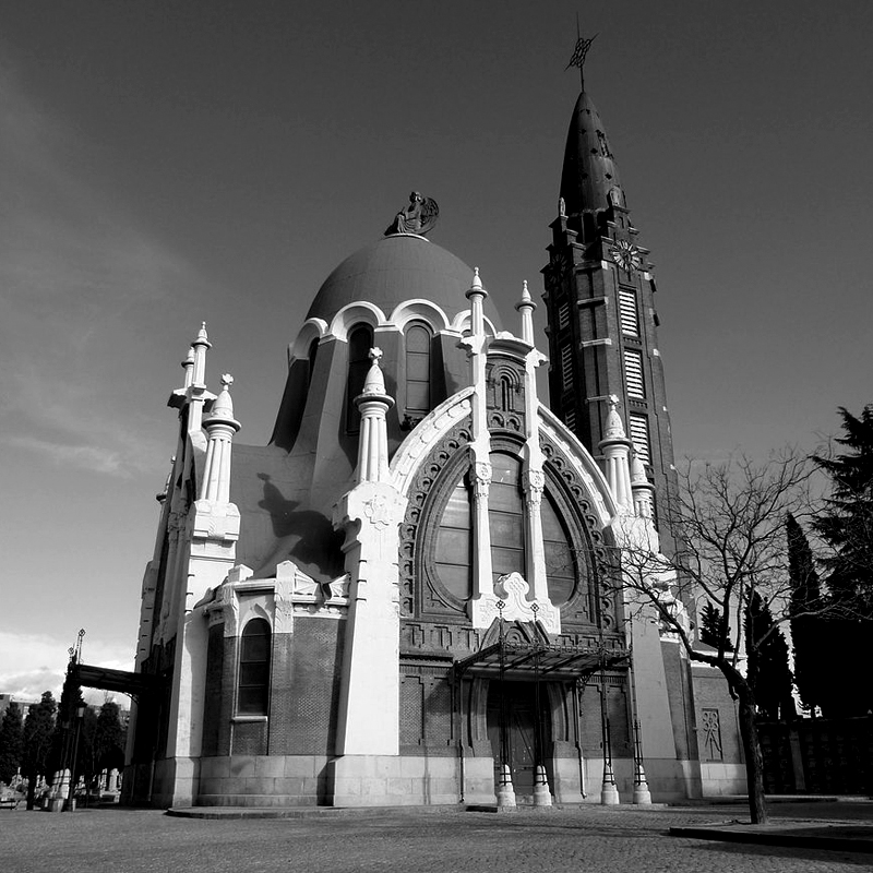Modernismo en el Cementerio de la Almudena